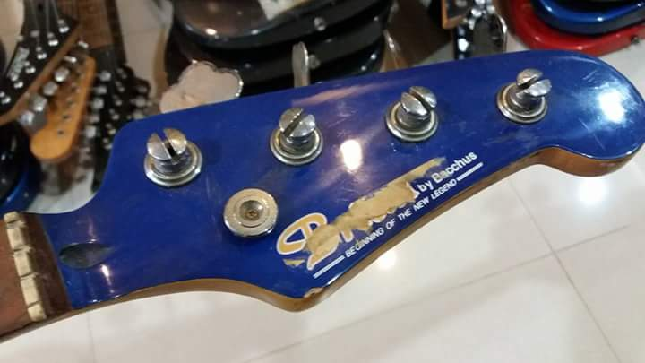 bucchus  jazz bass