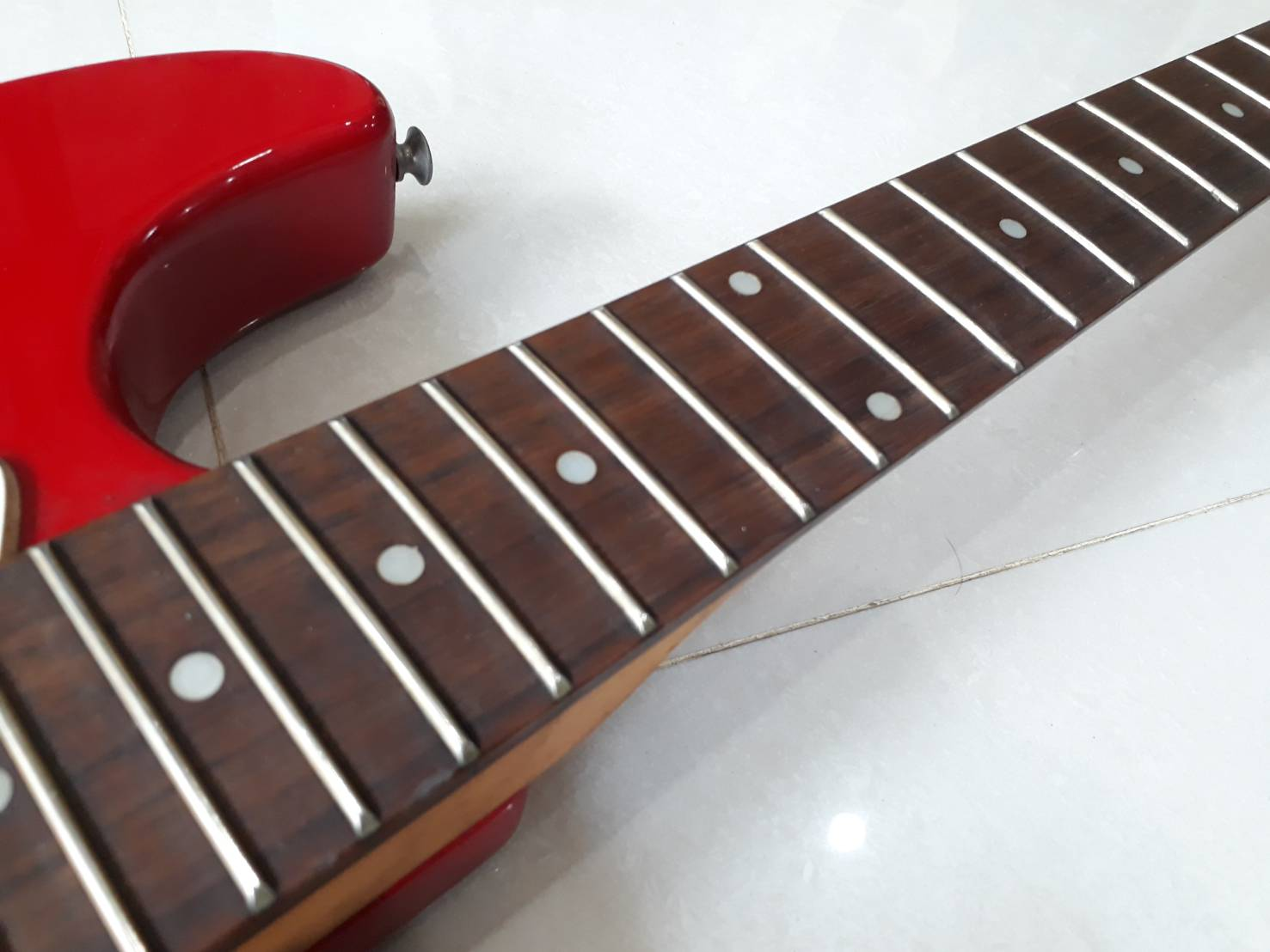 Photogenic strat red